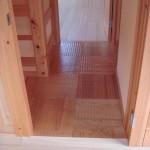 タモ材の床